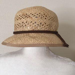 9ebb58e206bf6 Women s J Crew Straw Hat on Poshmark